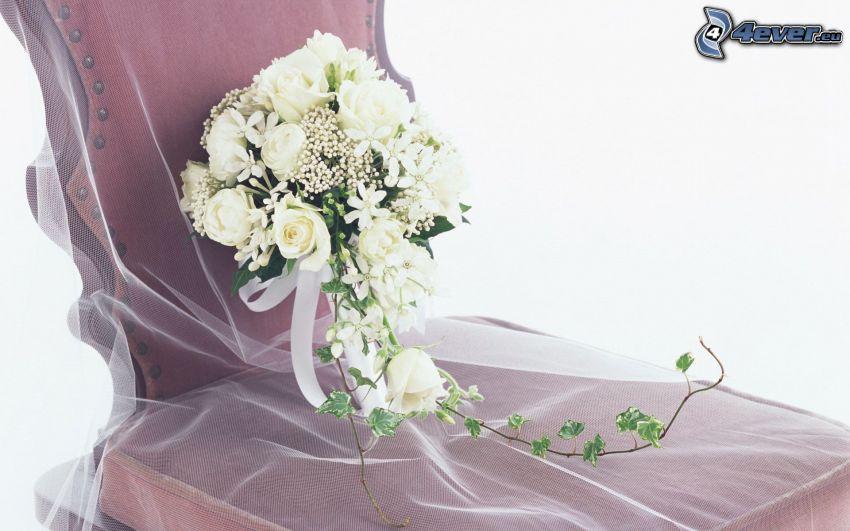 Hochzeitsstrauß, weiße Rosen, Stuhl