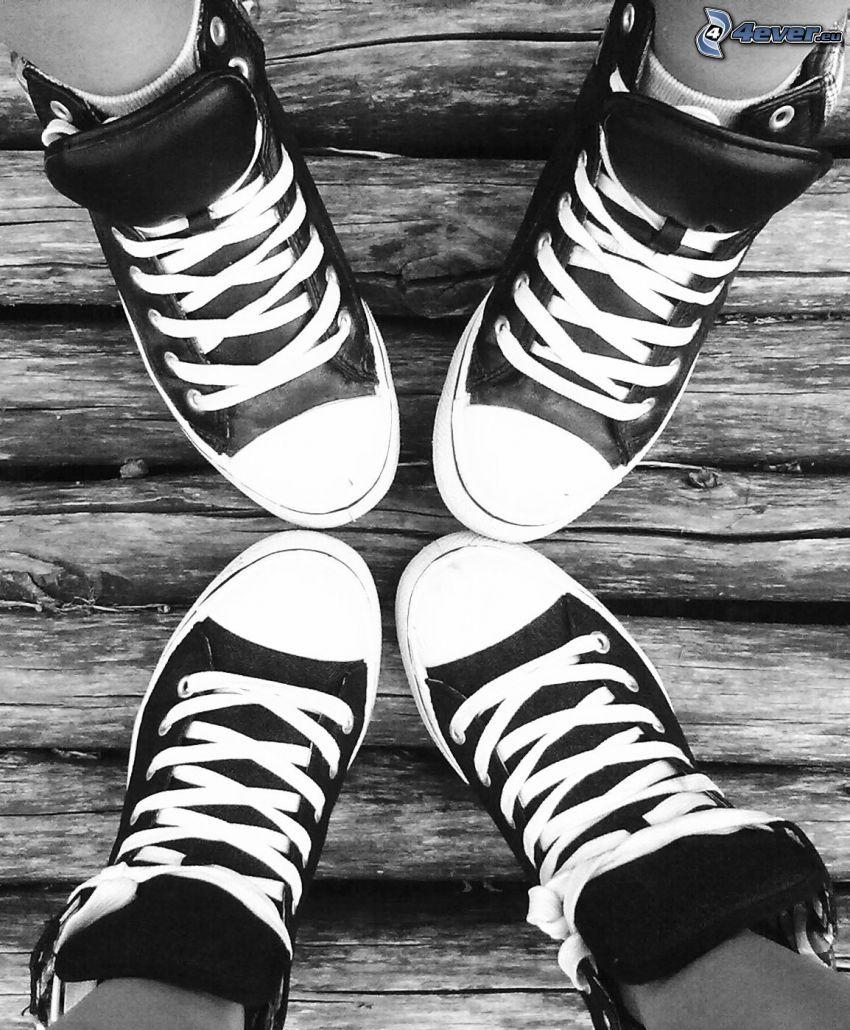 Beine, schwarze Turnschuhe, Chinesische Schuhe