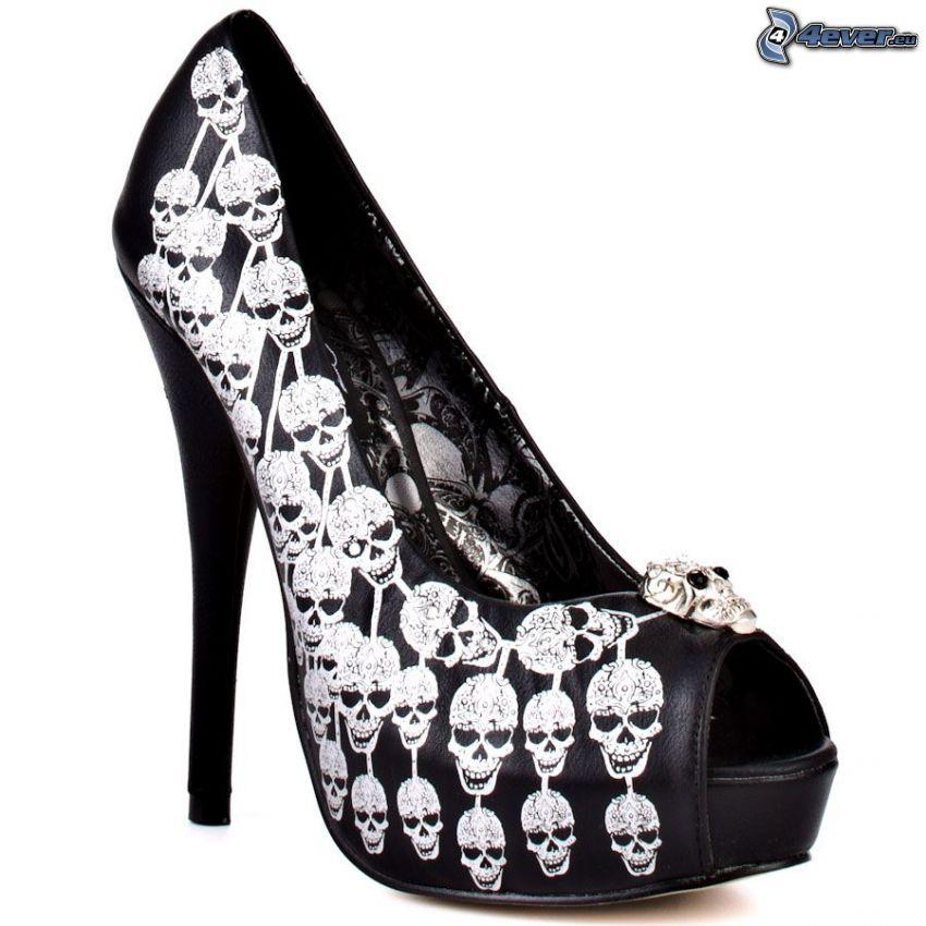 schwarze Damenschuhe, Skelette, Pumps auf der Plattform
