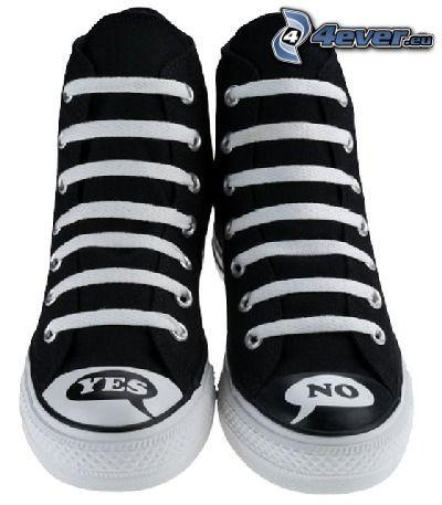 schwarze Turnschuhe, Chinesische Schuhe