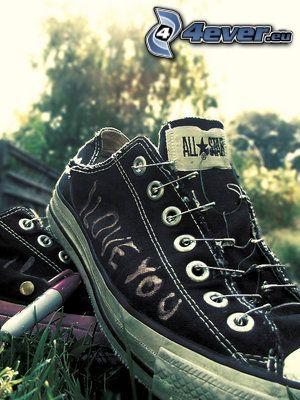schwarze Turnschuhe, Converse All Star, I love you