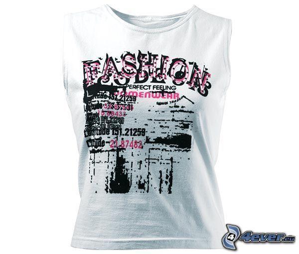 T-shirt, Kleidung