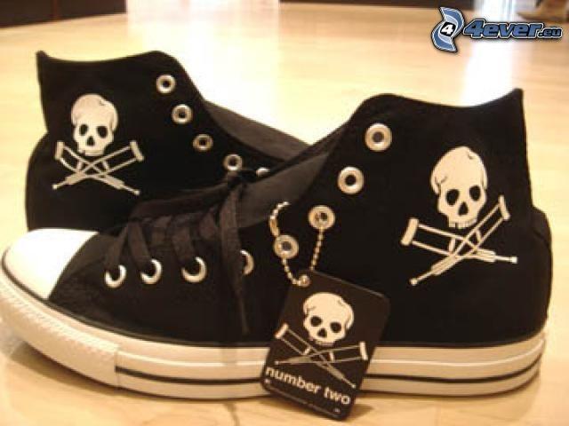 Turnschuhe mit Schädel, Converse, Chinesische Schuhe