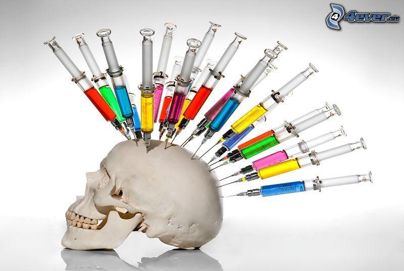 Schädel, Spritzen, farbige