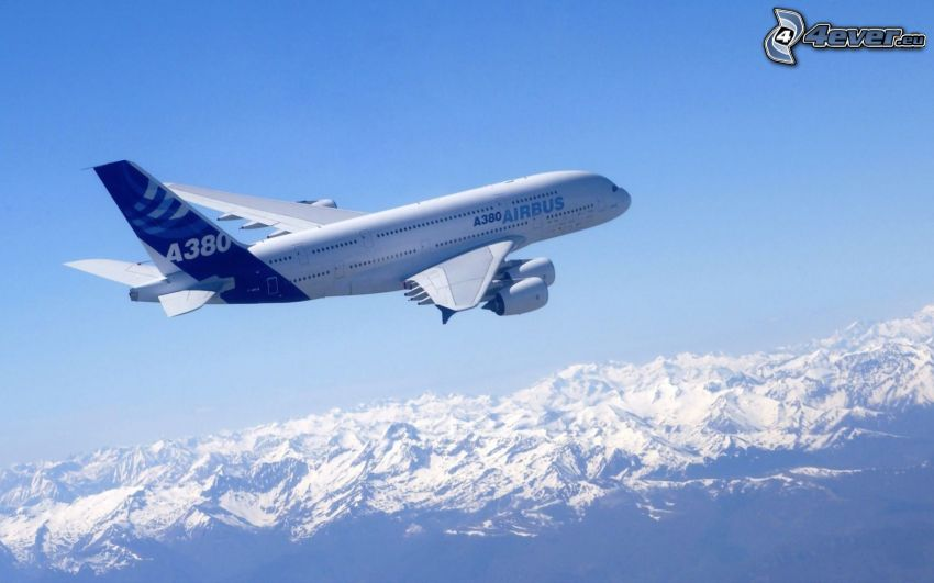 Airbus A380, schneebedeckte Berge