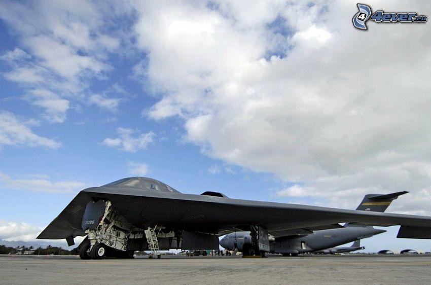 B-2 Spirit, Flughafen, Wolken