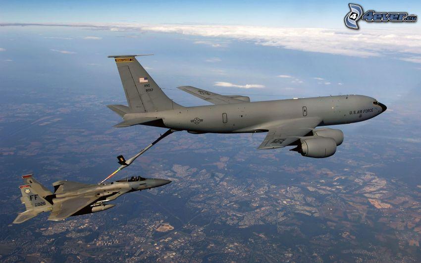 Boeing KC-135 Stratotanker, F-15 Eagle, Luftbetankung