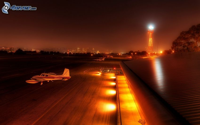 Flughafen, Leuchtturm, Flugzeug