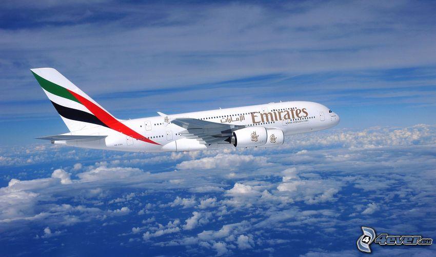 Airbus A380, Emirates, über den Wolken