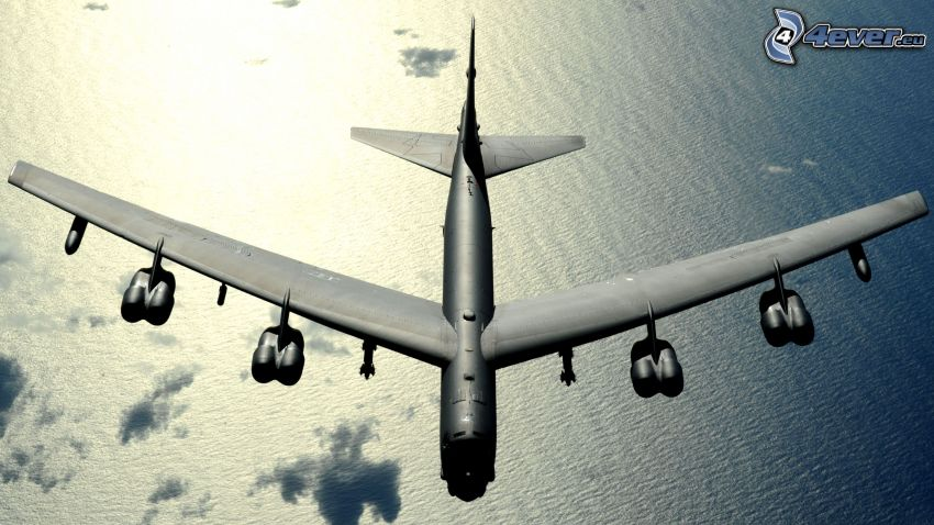 Boeing B-52 Stratofortress, Meer