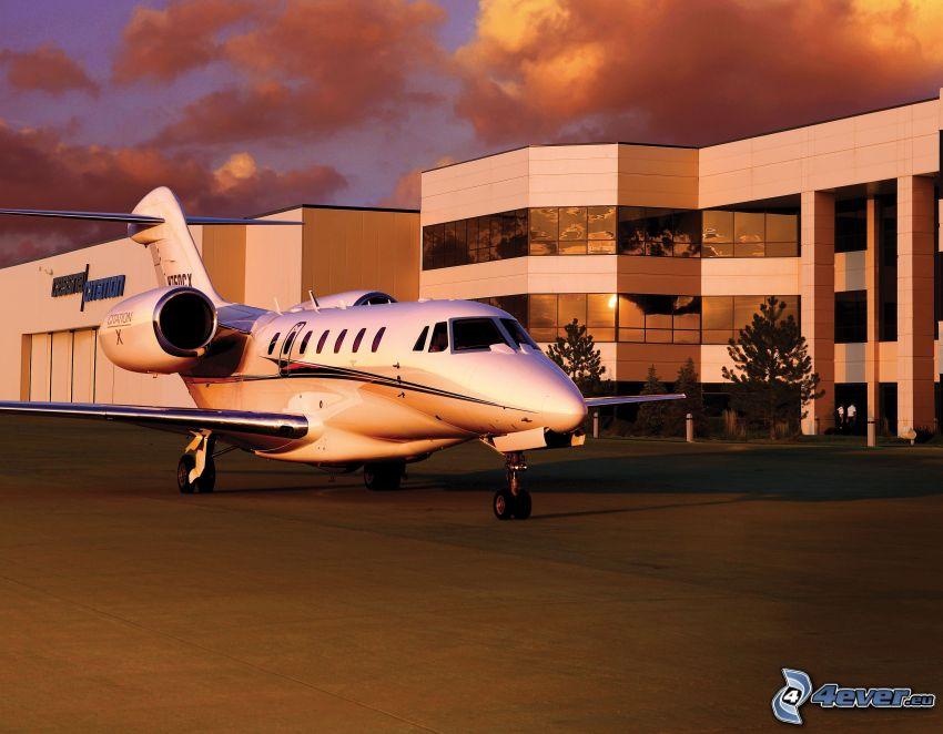 Citation X - Cessna, Flughafen