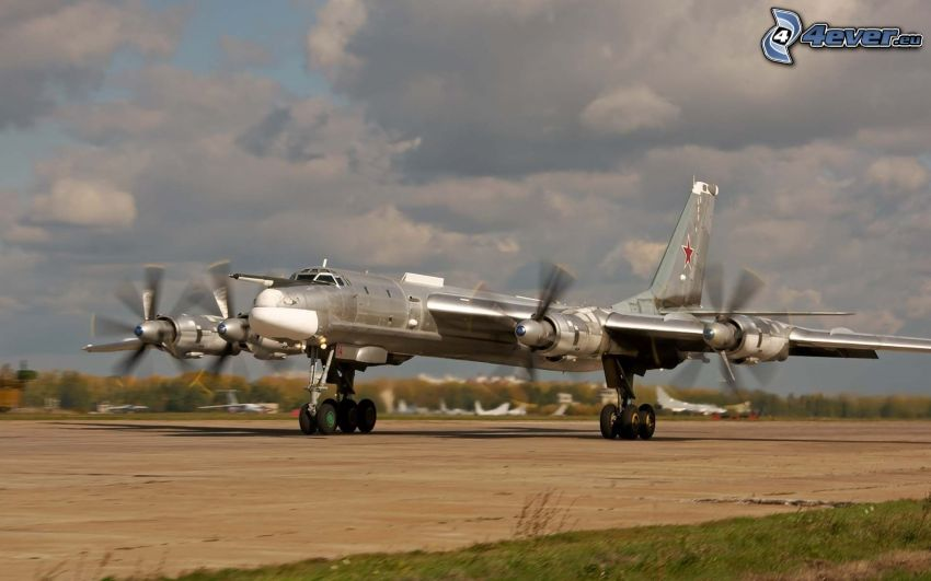 Tupolev Tu-95, Flughafen
