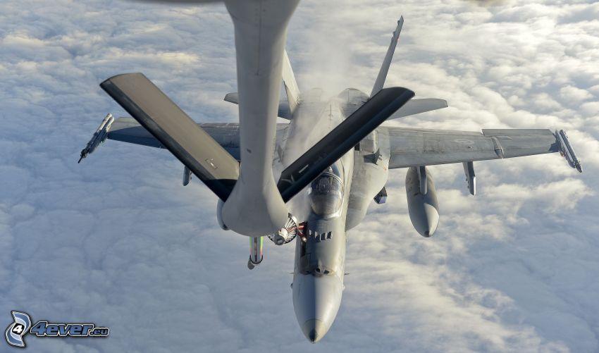 CF-188 Hornet, über den Wolken