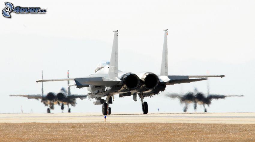 F-15 Eagle, Flughafen, Strahlmotoren