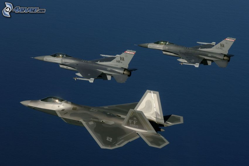 F-22 Raptor, Paar F-16