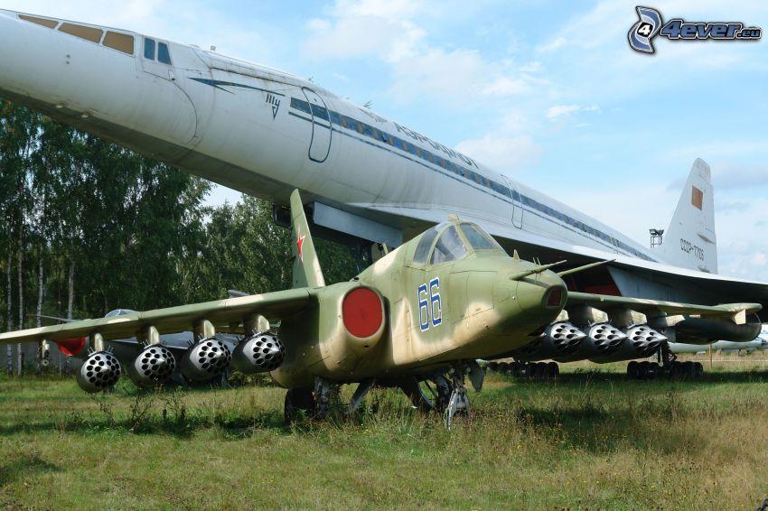 Sukhoi Su-25, Flugzeug