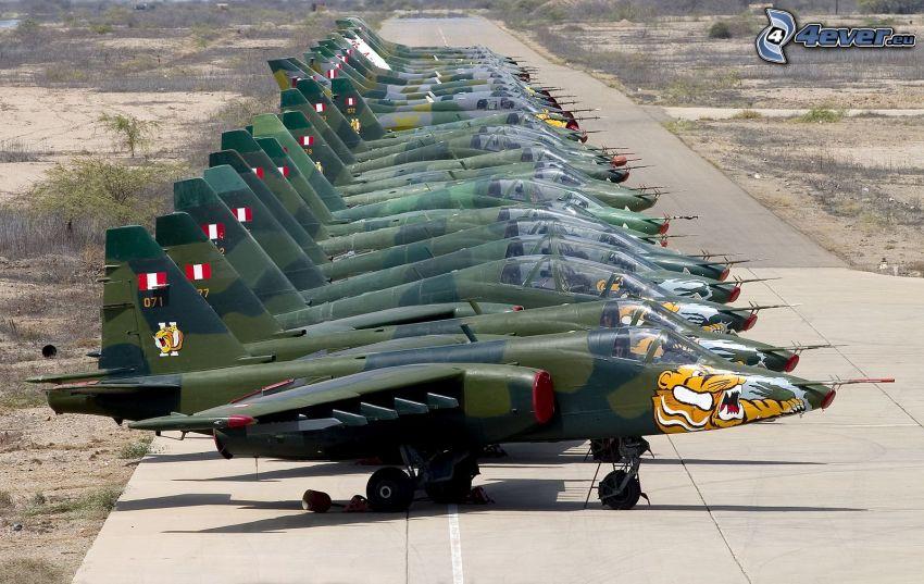 Sukhoi Su-25, Jagdflugzeuge
