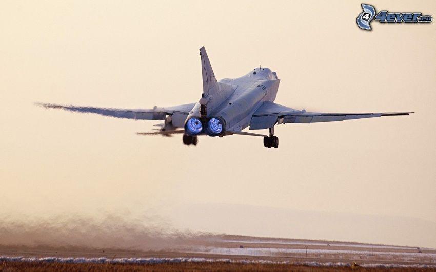 Tupolev Tu-22, Start