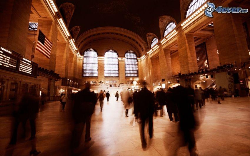 Bahnhof, Menschen