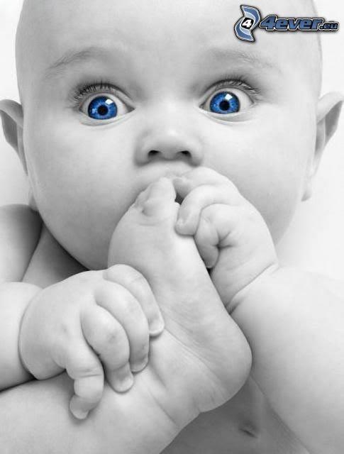 blauäugiges Kind, Fuß, Hände
