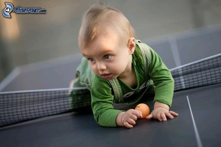 kleinen Jungen, Kugel, Tischtennis