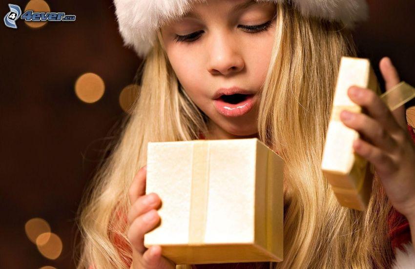 Mädchen, Geschenk