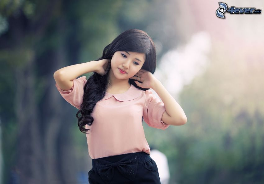 Asian Frau