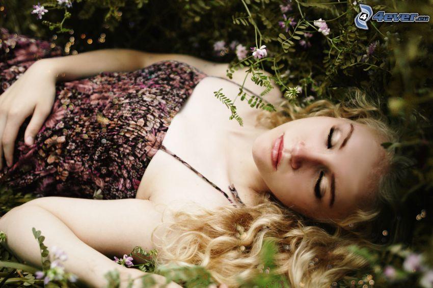 Blondine, Schlafen