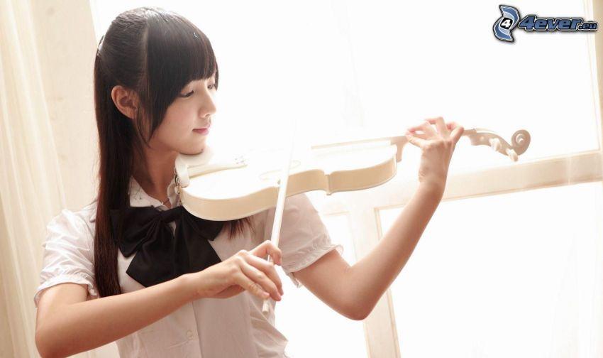 Mädchen spielendes auf dem Violoncello, Asian Frau