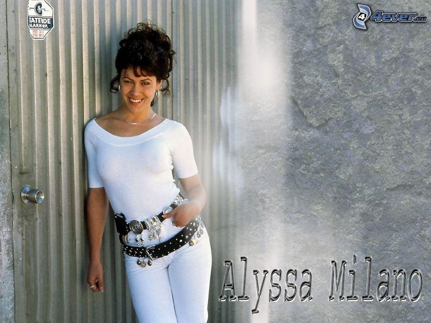 Alyssa Milano, Schauspielerin, Phoebe, eine Hexe, Charmed, braun haarig Frau, weißes T-Shirt, Hose, Gürtel