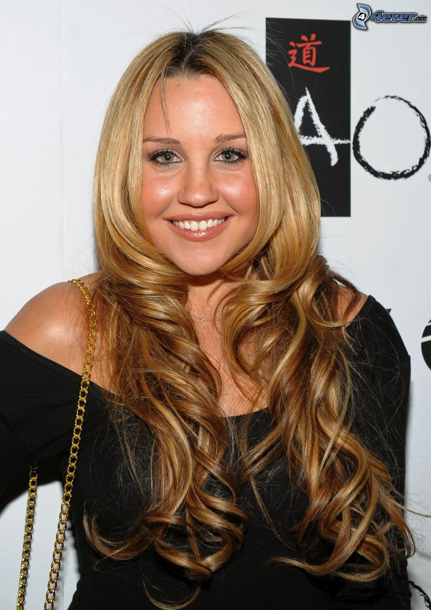 Amanda Bynes, lockiges Haar, langes Haar