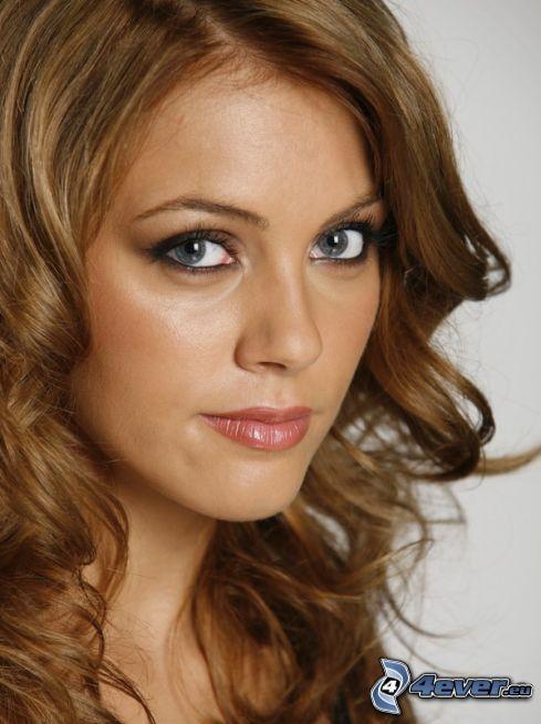 Andreea Pătraşcu, lockiges Haar