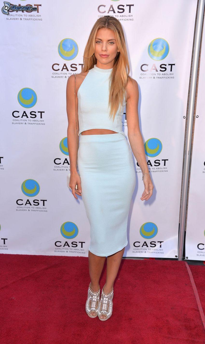 AnnaLynne McCord, weißes Kleid