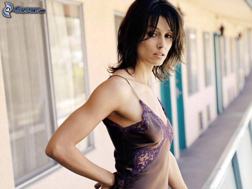 Bridget Moynahan, Nachthemd