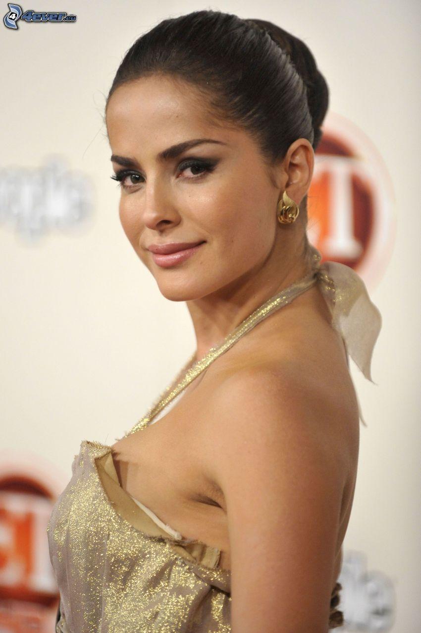 Danna Garcia, Gold-Kleid