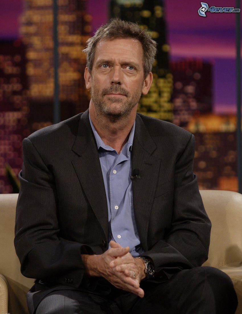 Hugh Laurie, mann im Anzug