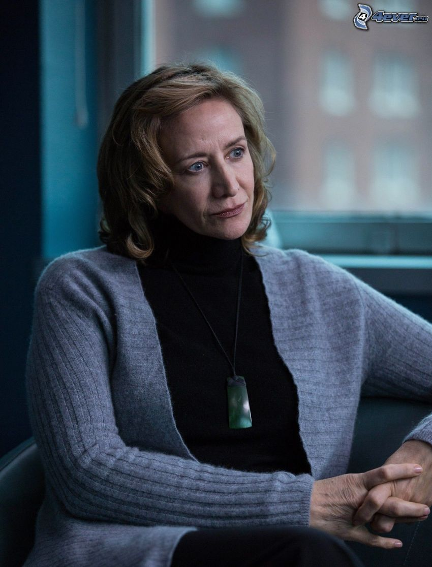 Janet McTeer, Pullover