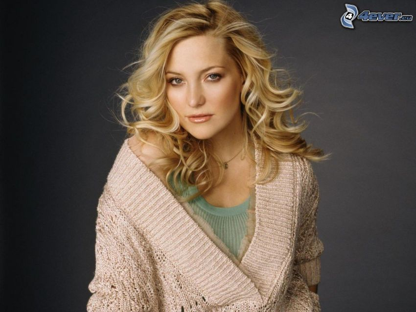 Kate Hudson, lockiges Haar, Pullover