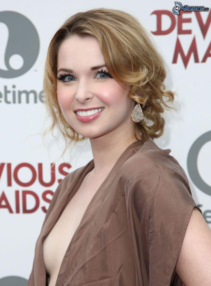 Kirsten Prout, Lächeln