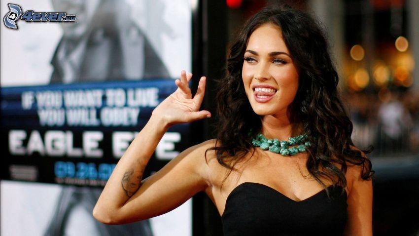 Megan Fox, hängende Zunge