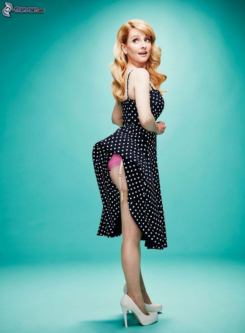 Melissa Rauch, gepunkteten Kleid