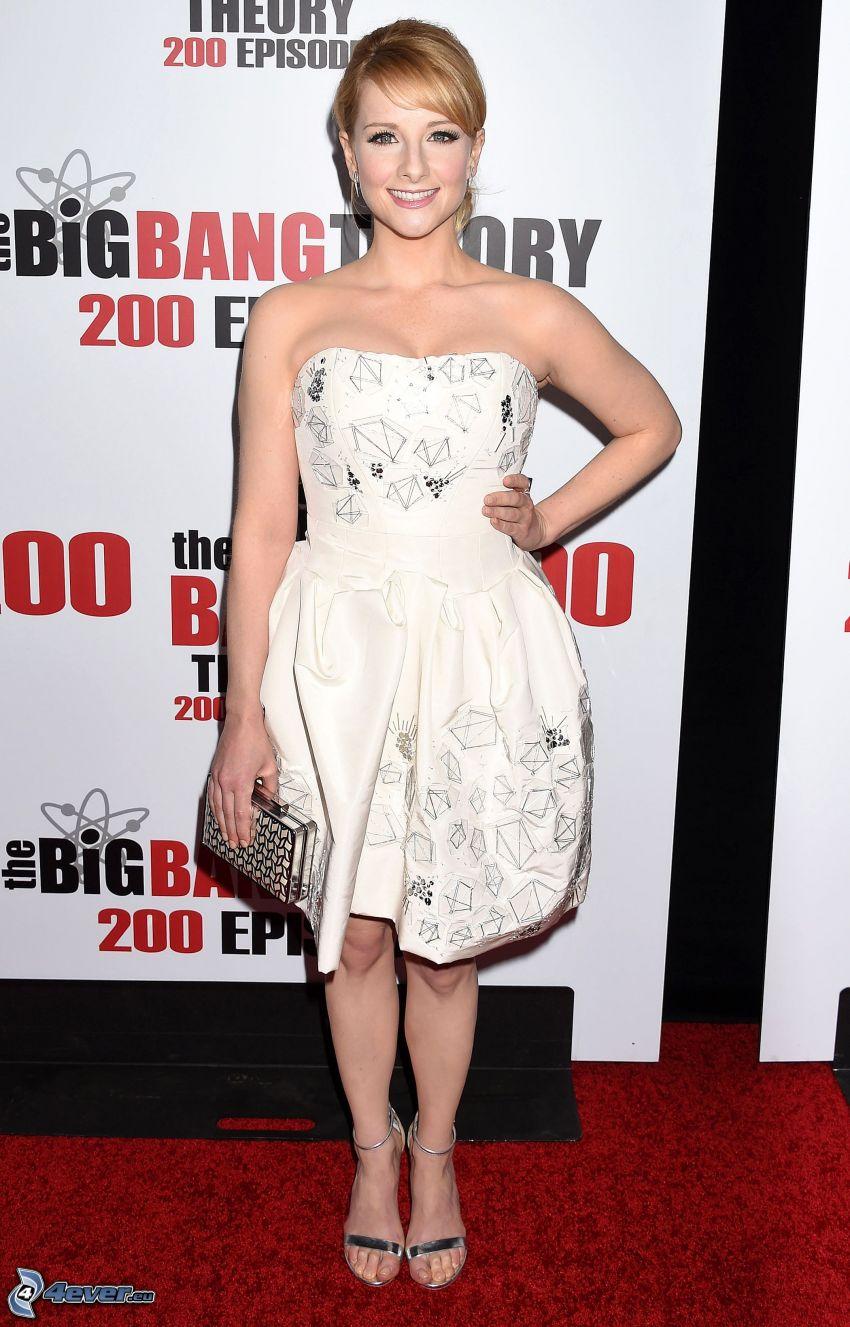 Melissa Rauch, weißes Kleid