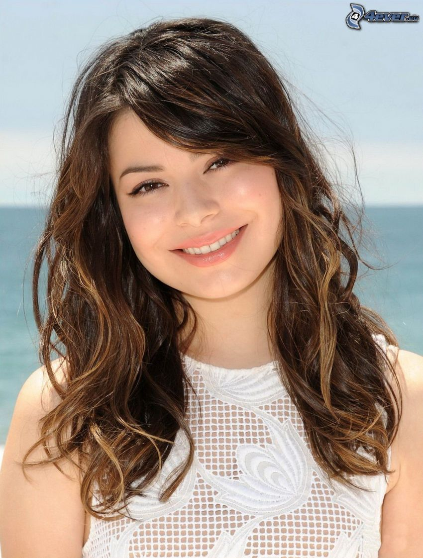 Miranda Cosgrove, Lächeln
