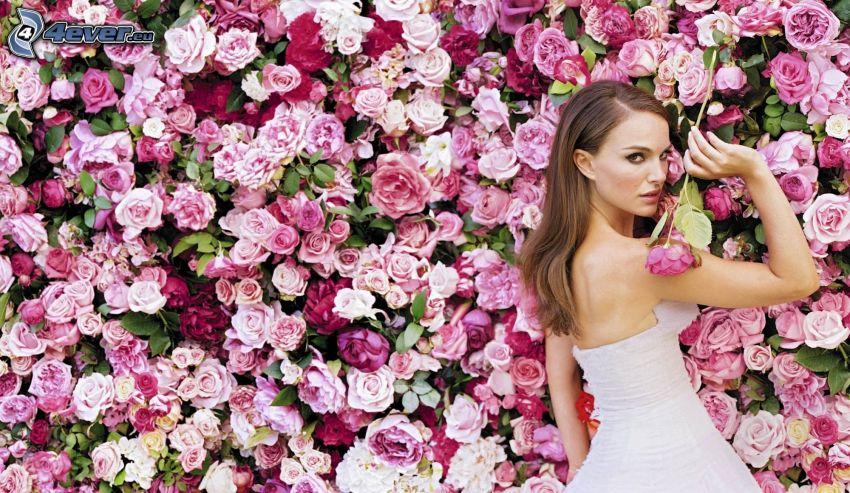 Natalie Portman, weißes Kleid, Rosen
