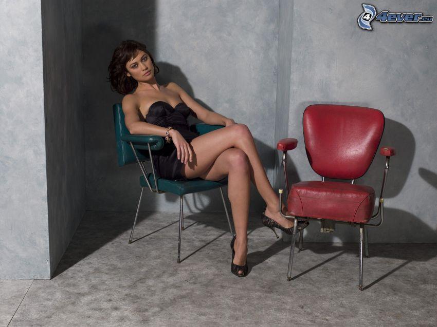 Olga Kurylenko, Stühle