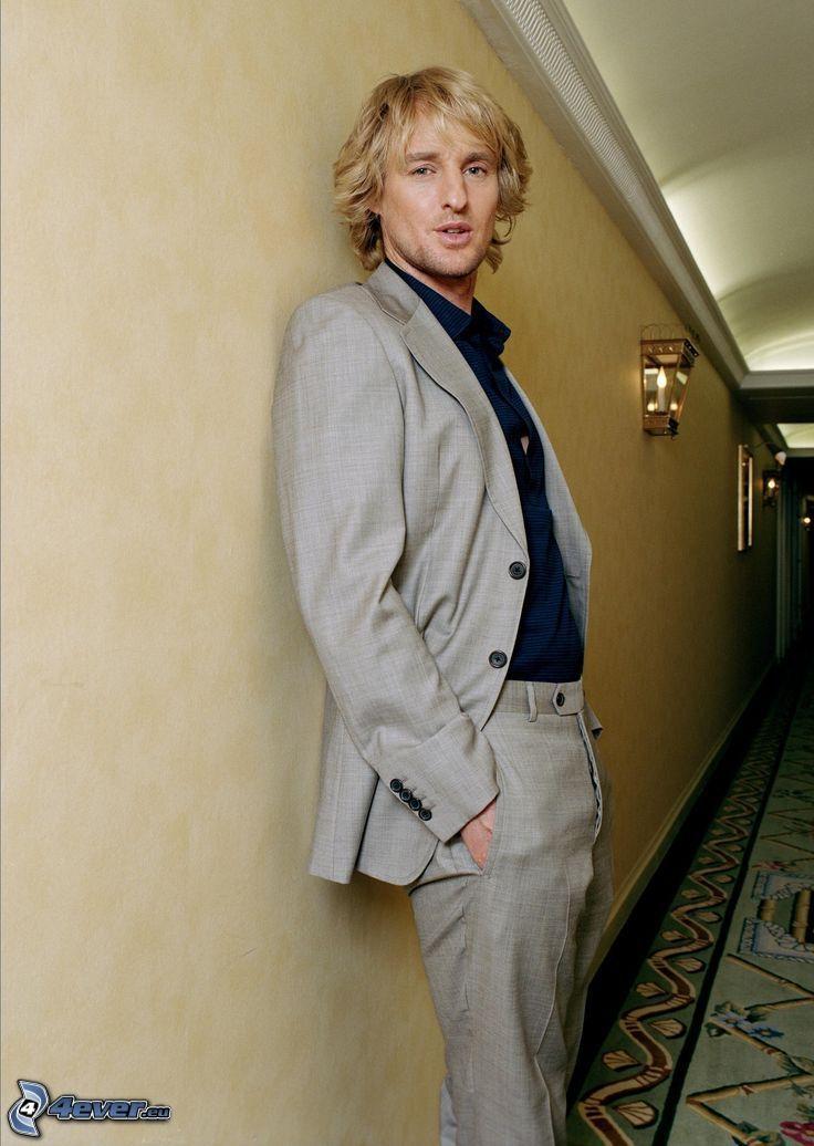 Owen Wilson, mann im Anzug