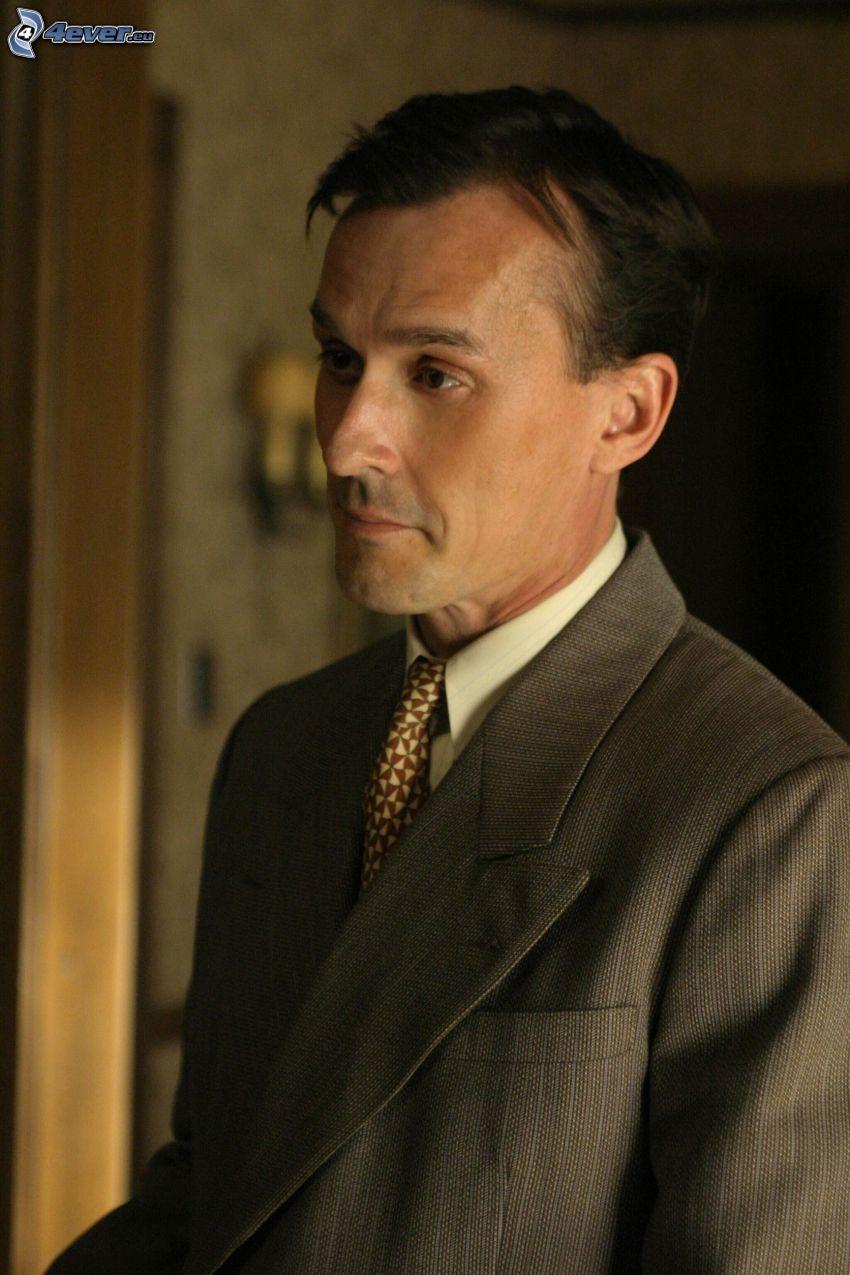 Robert Knepper, mann im Anzug