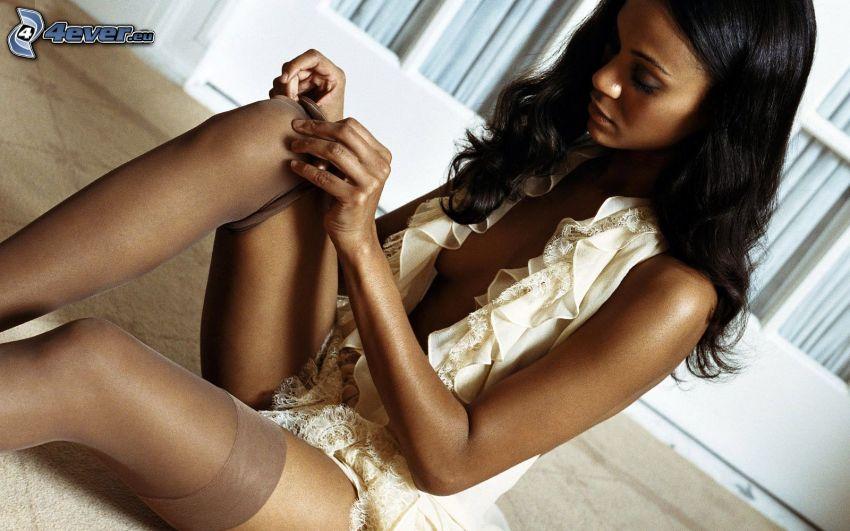 Zoe Saldana, schwarze Frau, Strumpfbänder
