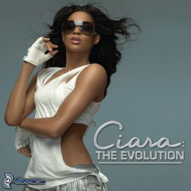 Ciara, The Evolution, schwarze Frau
