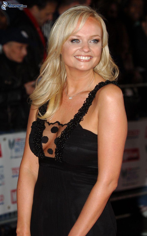 Emma Bunton, Lächeln, schwarzes Kleid, braless